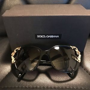 Dolce Gabbana Large cat eye sunglasses DG4167